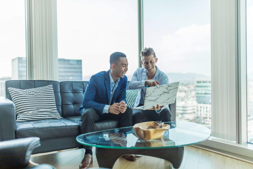 Abre nuevos canales de comunicación trabajo en equipo colaboración
