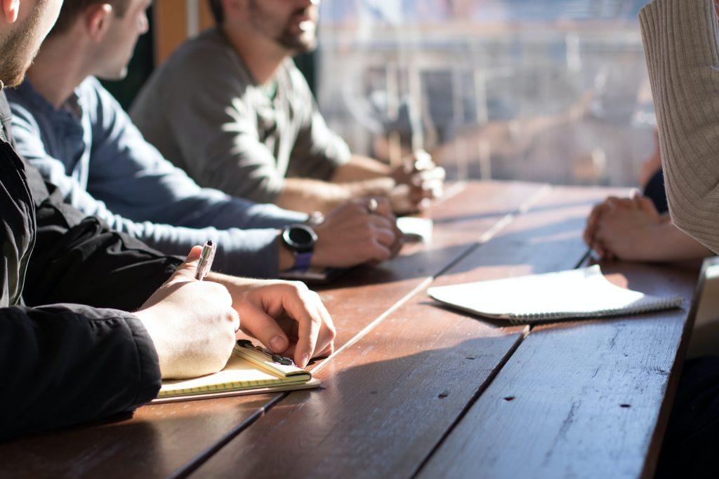 centrarnos en las personas al comunicar - Cómo mejorar tus habilidades de comunicación